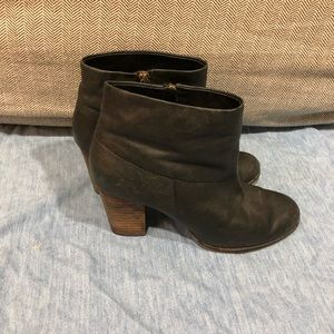 Cole Haan Leather Ankle Booties Sz 8 1/2